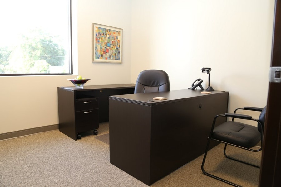 Day Suite Private Office