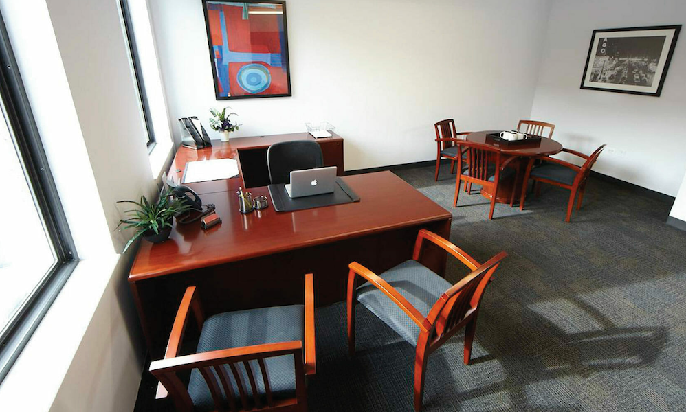 Executive Office for 5 People