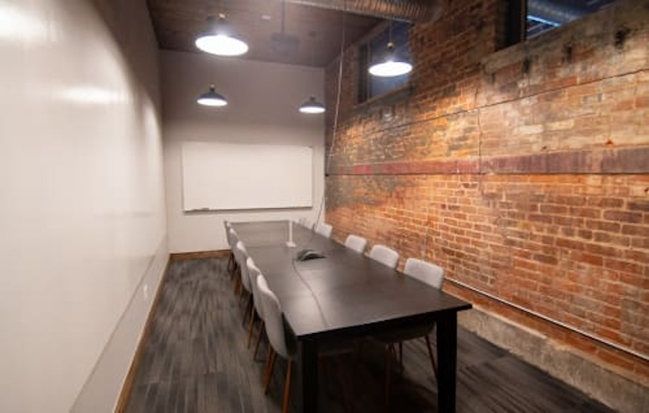 Industrial Conference Room for 10 People - Detroit