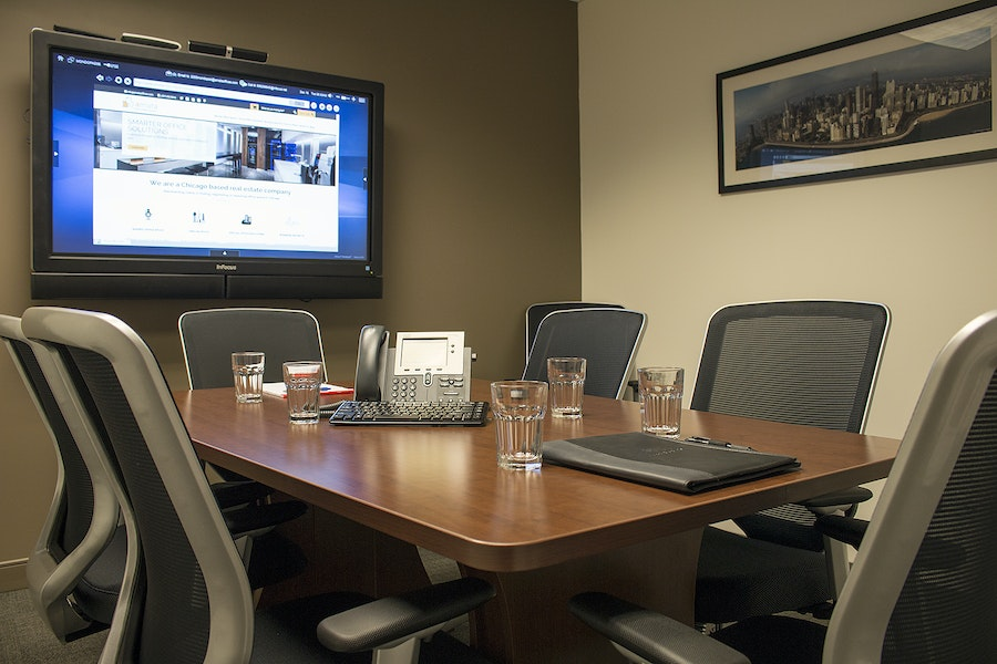 Intimate Meeting Room in Financial District