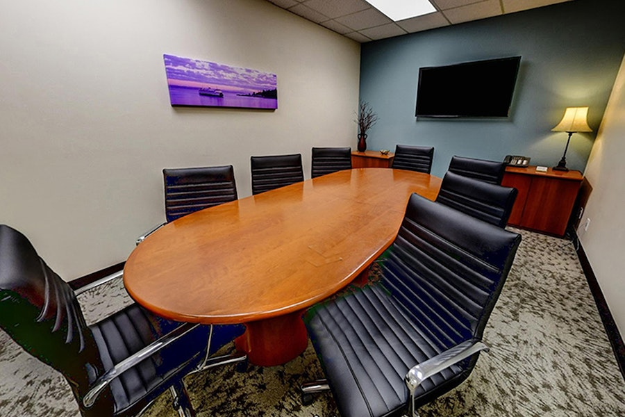 Bainbridge Conference Room - Bothell, Seats 8 (4, with social distancing)