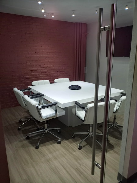 Meeting Room 3 (6 person)
