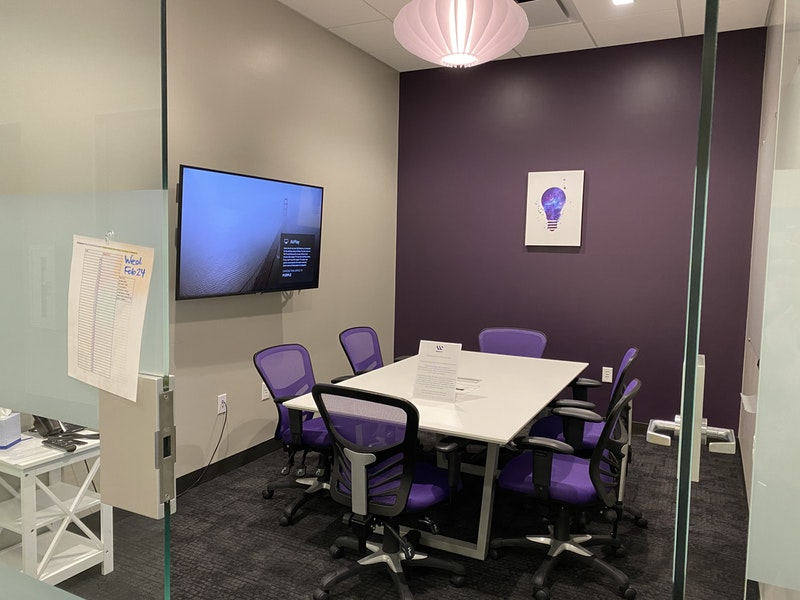 Pinnacle Purple Room-Up to 6 ppl