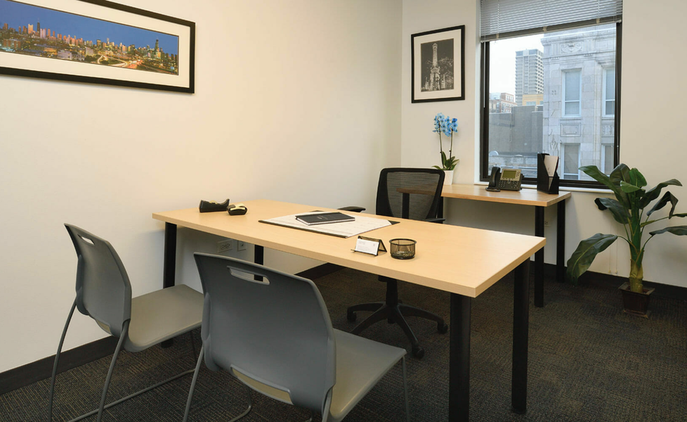 Private Office For 3 People