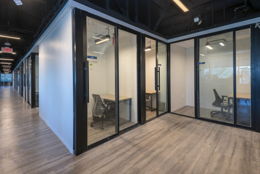 Private Office- 3077