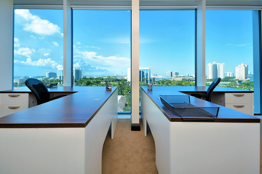 Premier Workspaces - Aventura Harbour Centre