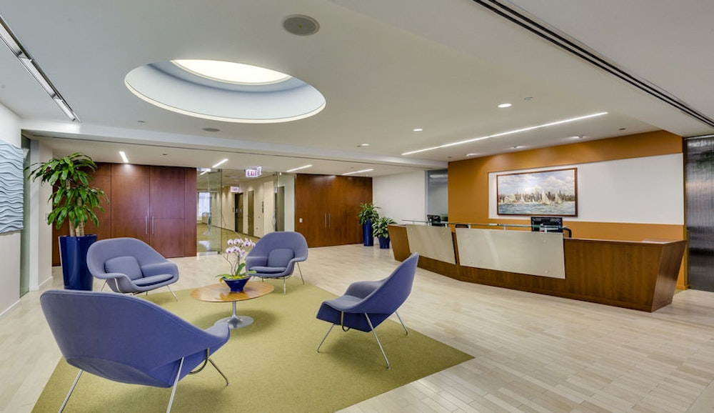 Carr Workplaces - AON Center Chicago