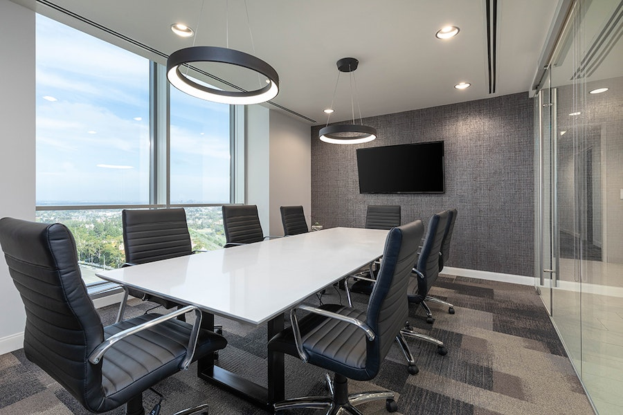 Premier Workspaces - Fashion Island