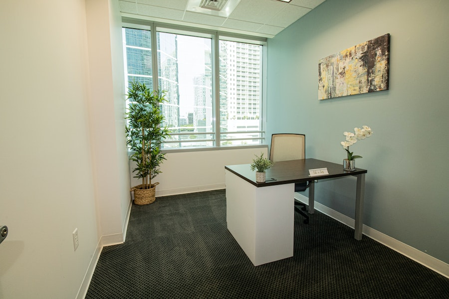 Quest Workspaces - 1395 Brickell