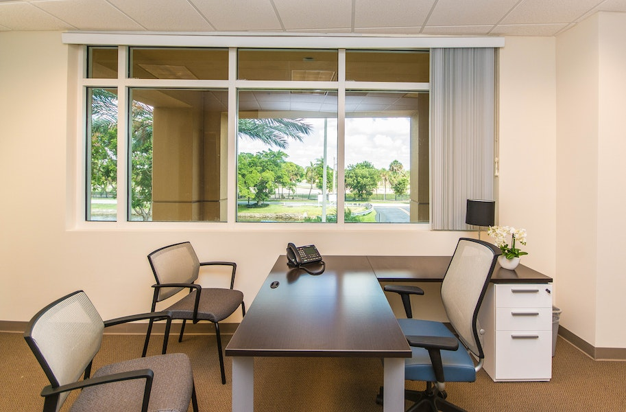 Quest Workspaces - Doral