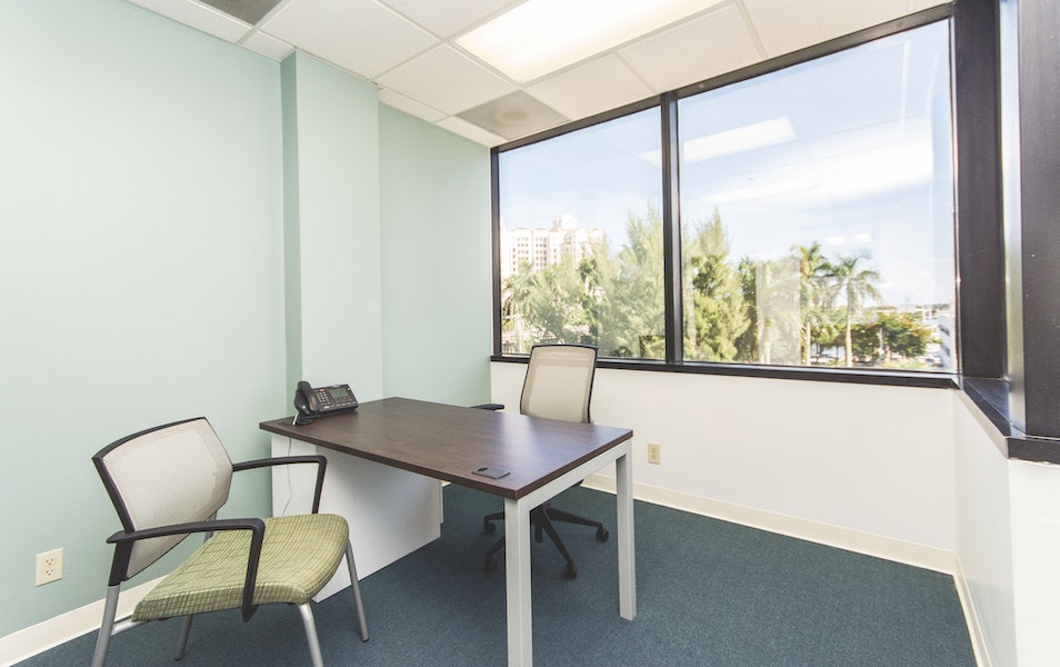 Quest Workspaces - West Palm Beach
