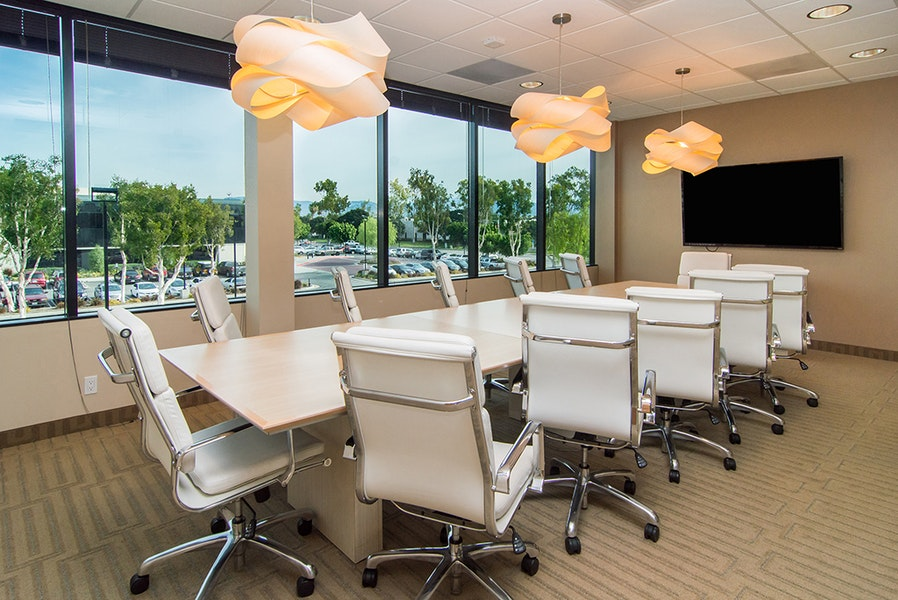 Premier Workspaces - Von Karman Corporate Center